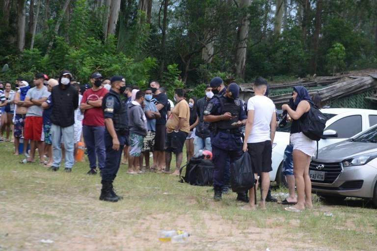 Quase 160 são presos ao serem flagrados participando de festa clandestina no ABC