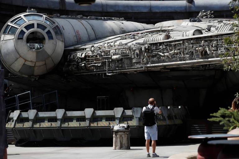 'Star Wars' e 'Jornada nas Estrelas' têm viagens à velocidade da luz; é possível?