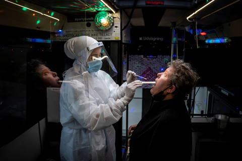 Dinamarca desiste de usar vacina da AstraZeneca