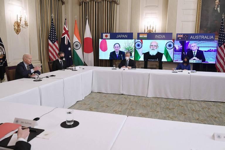 Biden, à esquerda, reúne-se virtualmente com os líderes Suga (Japão), Modi (Índia) e Morrisson (Austrália)