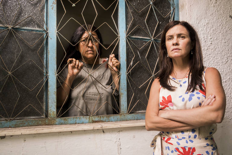 Lurdes ( Regina Casé ) e Thelma ( Adriana Esteves )