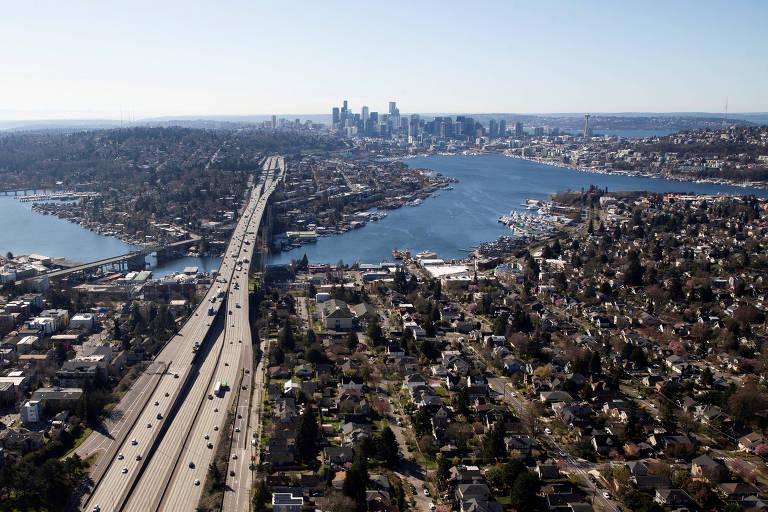 Foto aérea de Seattle durante a pandemia do coronavírus em março de 2020