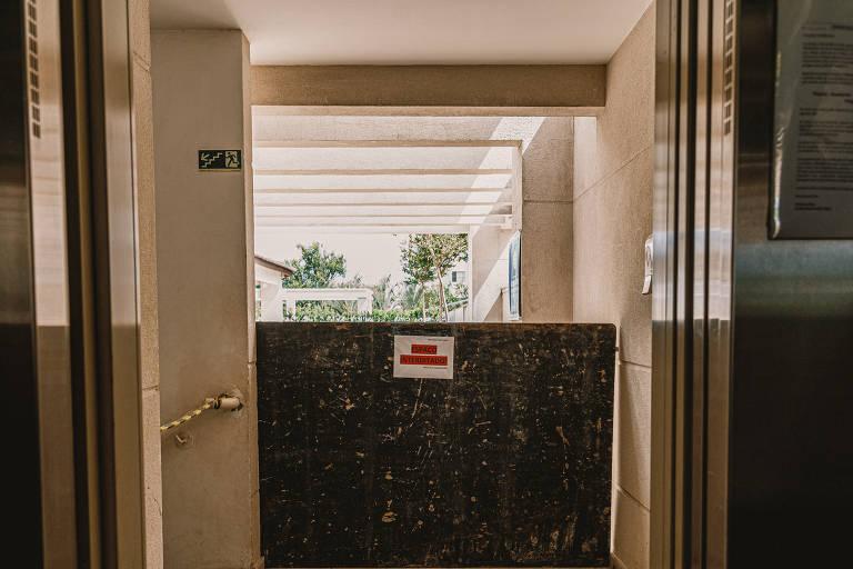 Síndico isola áreas de condomínio para evitar que moradores usem espaços interditados