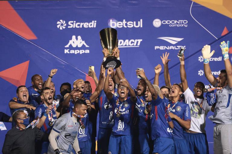 São Caetano comemora o título da Série A2 de 2020