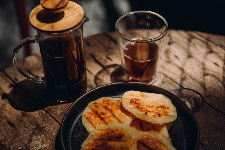 Café e pão de queijo, produtos que a Mar de Café vende online