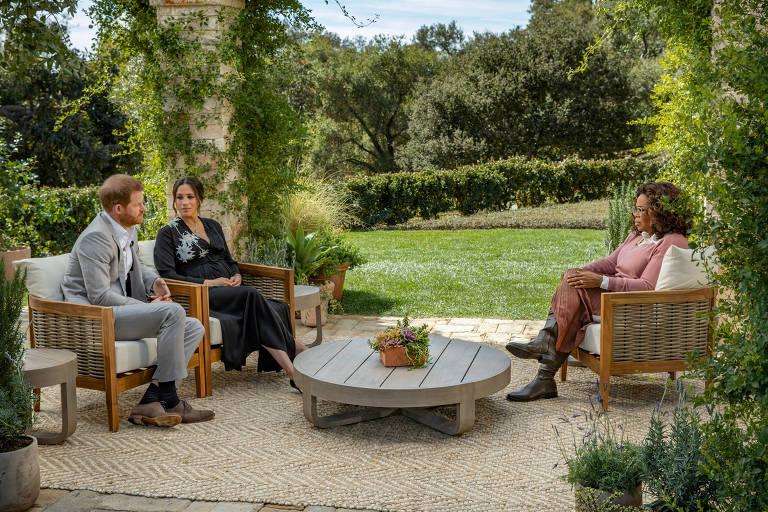 Com entrevista a Oprah, Harry e Meghan mostram que não conseguem se afastar do circo midiático