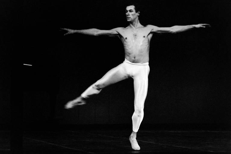 O bailarino francês Patrick Dupond em foto de 1986