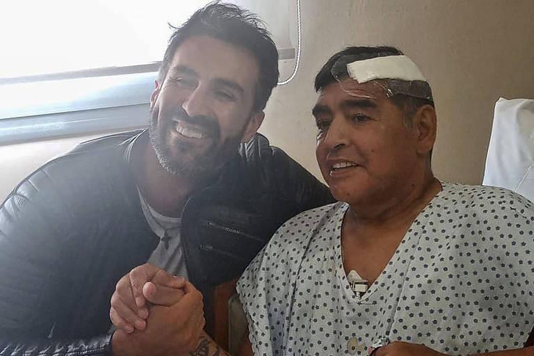 Maradona com o médico Leopoldo Luque, acusado de homicídio com dolo eventual