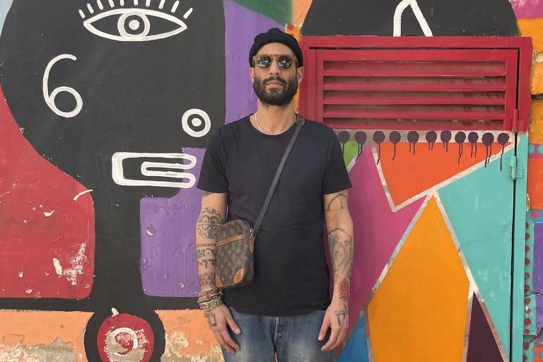 Quem é o carioca que colore ruas de cidade em Israel com as suas criações vibrantes