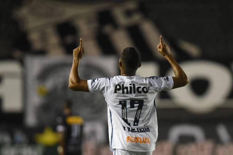 Vinícius Balieiro comemora gol do Santos contra o Ituano em jogo pelo Campeonato Paulista