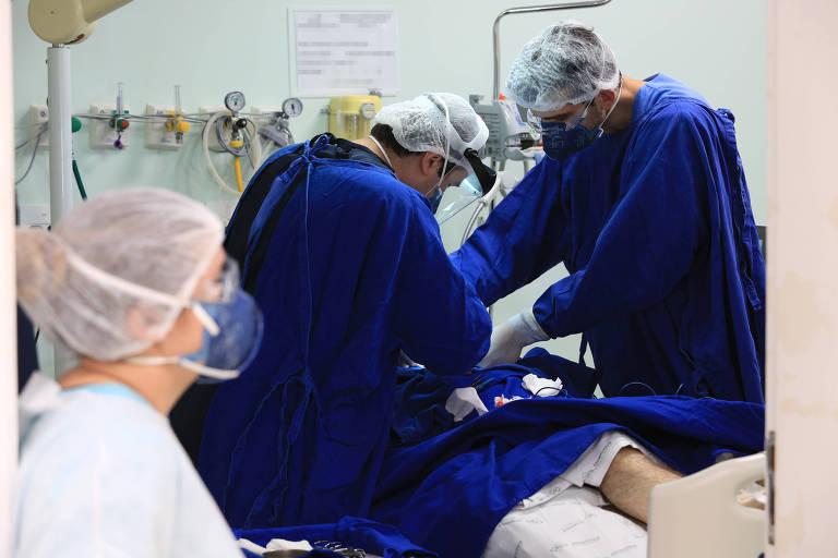 Além de leitos, já faltam oxigênio e remédios em hospitais do Paraná