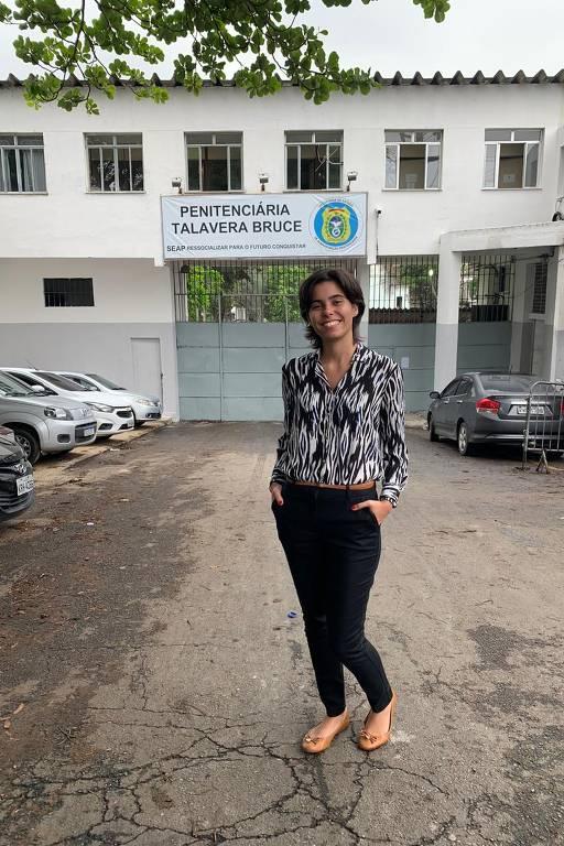 Projeto Absorvidas faz vaquinha para produzir e distribuir absorventes em penitenciárias do estado do Rio de Janeiro
