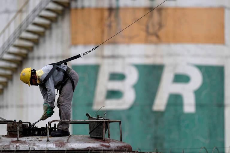 Petrobras levanta R$ 11,3 bilhões com venda de últimas ações da BR