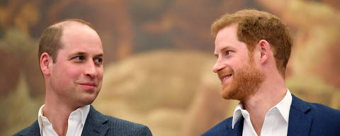 FILE PHOTO: Britain's Prince William and Prince Harry attend the opening of the Greenhouse Sports Centre in central London, April 26, 2018. REUTERS/Toby Melville/Pool/File Photo ORG XMIT: FW1