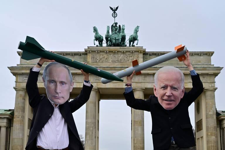 Biden ataca Putin de olho na China, mas tom agressivo traz riscos