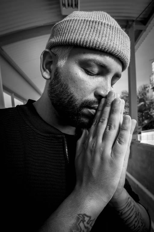 Imagens do rapper Projota