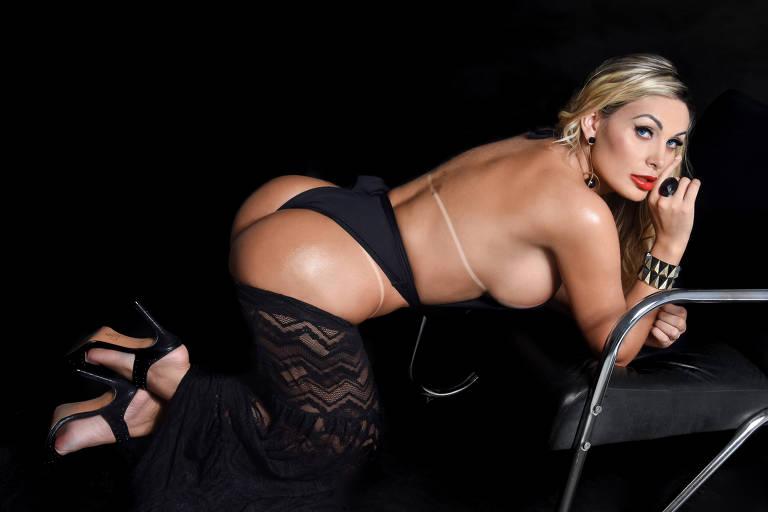 Andressa Urach diz que sofreu por ter que voltar a fazer fotos de biquíni