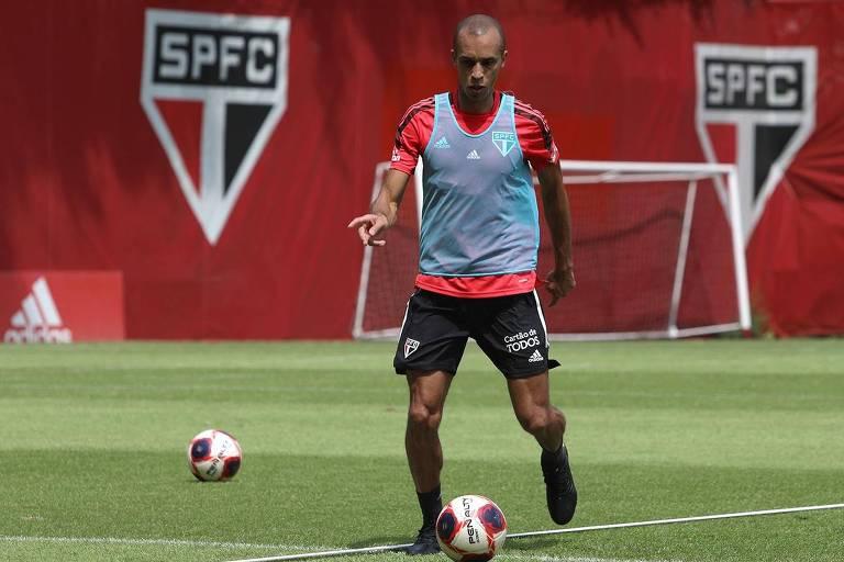 Miranda faz seu primeiro treino no CT da Barra Funda após a volta ao São Paulo