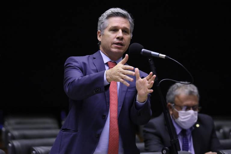 Deputado pretende acionar conselho de ética contra bolsonarista que o chamou de 'vagabundo'