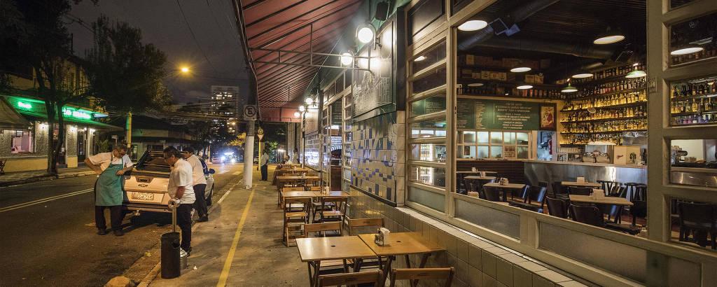O bar Genésio, na Vila Madalena, vazio e sem clientes em março do ano passado, quando ainda estava aberto ao público