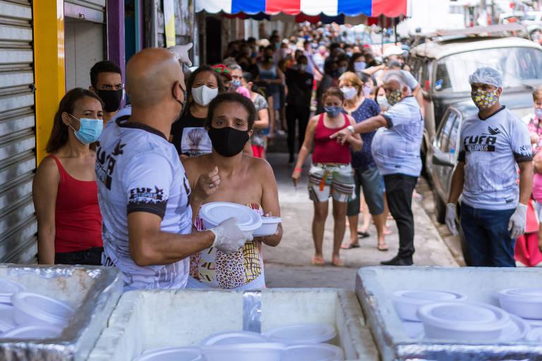Sem renda na pandemia, famílias dependem de doações para se alimentar