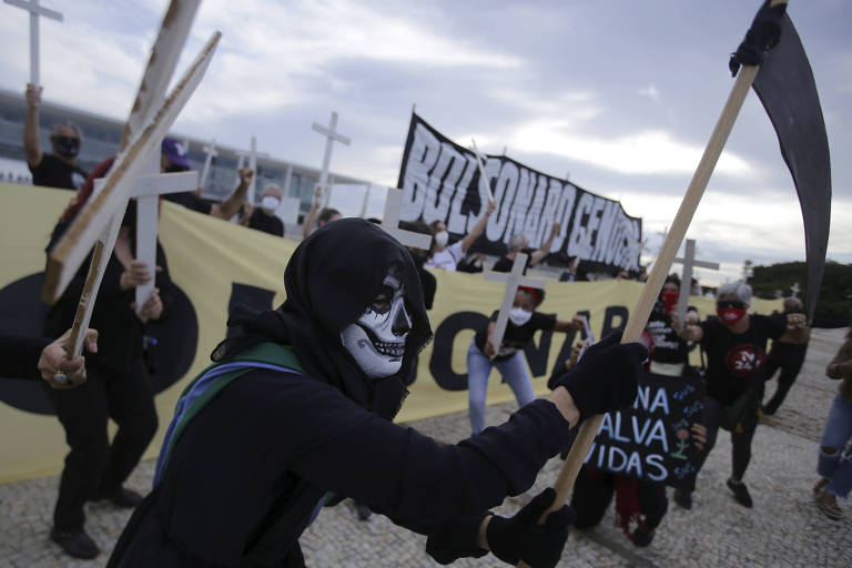 Bolsonaro genocida é retórica sem base jurídica, dizem especialistas