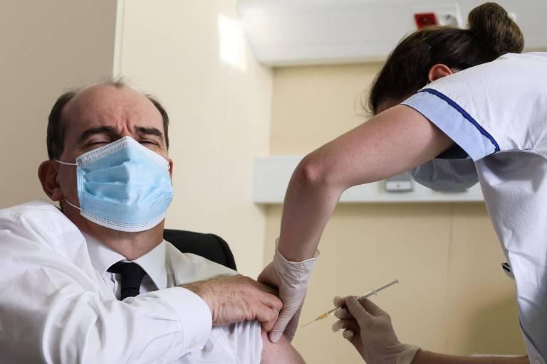 Na 3ª reviravolta, França proíbe vacina de Oxford para menores de 55