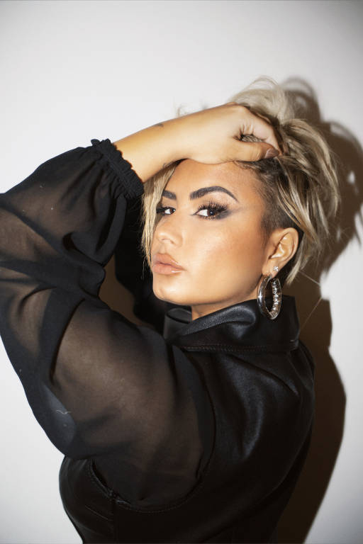 Documentário Dancing With The Devil  de Demi Lovato