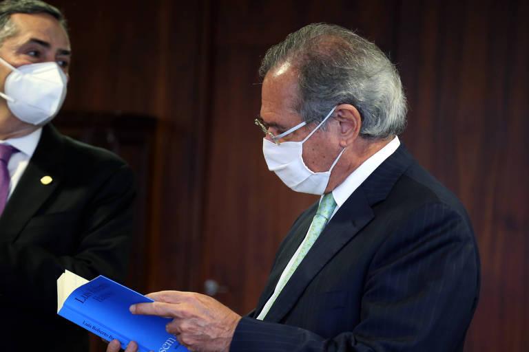 Paulo Guedes, ministro da Economia, sugeriu que o setor privado seja autorizado por lei a comprar vacinas para uso próprio