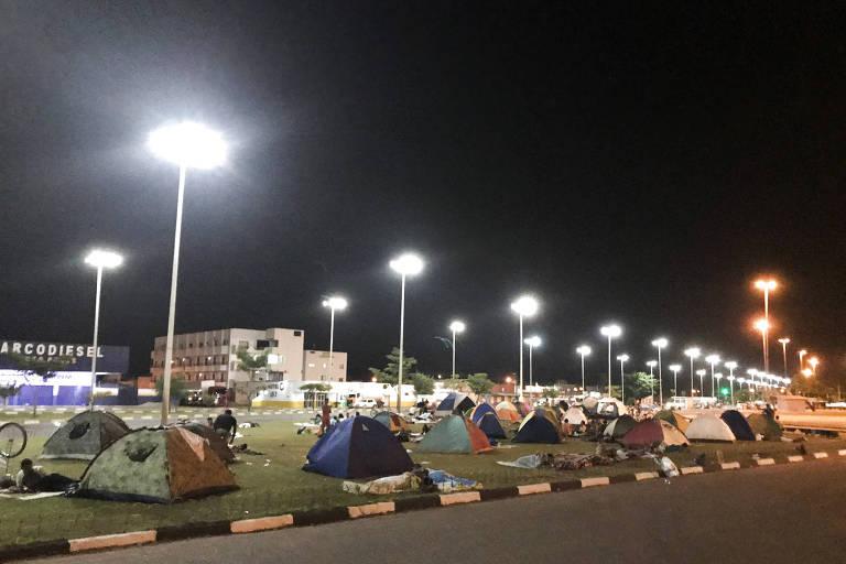 Justiça proíbe governo brasileiro de deportar crianças, grávidas, doentes e desertores