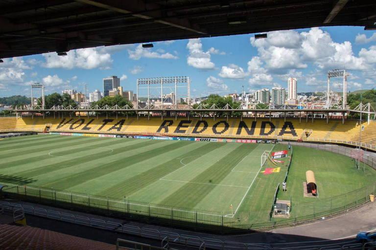 O estádio Raulino de Oliveira, também conhecido como estádio da Cidadania, na cidade de Volta Redonda, no Rio de janeiro, deve ser palco do confronto entre Mirassol e Corinthians, pelo Paulistão