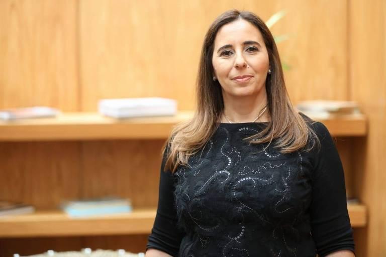"""Andréa Naccarati de Mello, organizadora do livro """"Experiências que Deixam Marcas – Conceitos Fundamentais sobre Customer Experience"""""""