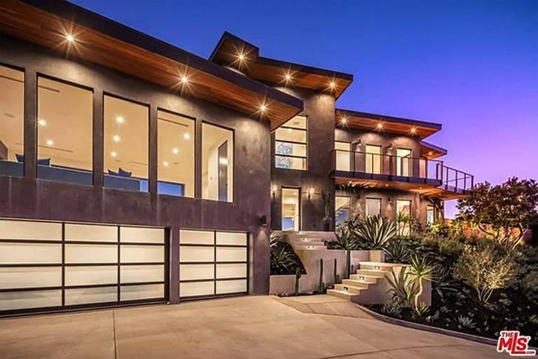 Gene Simmons compra  mansão em Malibu, California, por US $ 5,8 milhões