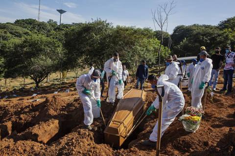 Pela 2ª vez, Brasil ultrapassa os EUA em mortes por Covid por 100 mil habitantes