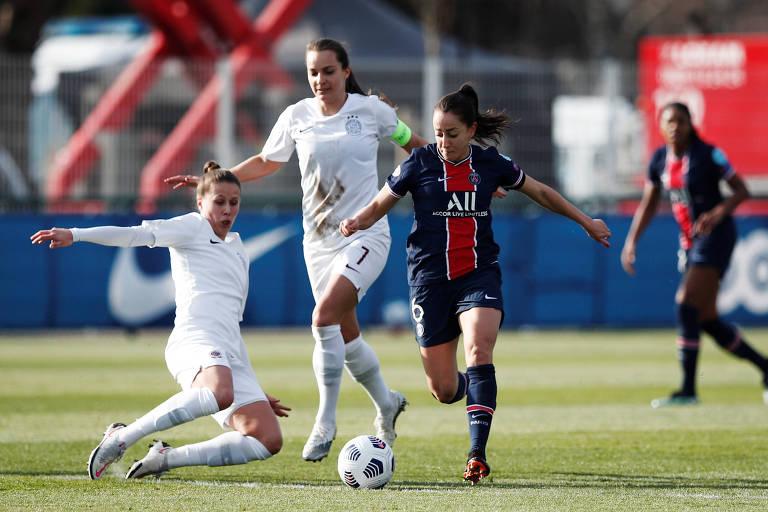 Luana em ação pelo PSG na Champions League feminina, contra o Sparta Praga