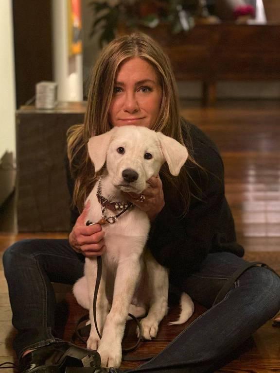 Jennifer Aniston e seu cãozinho