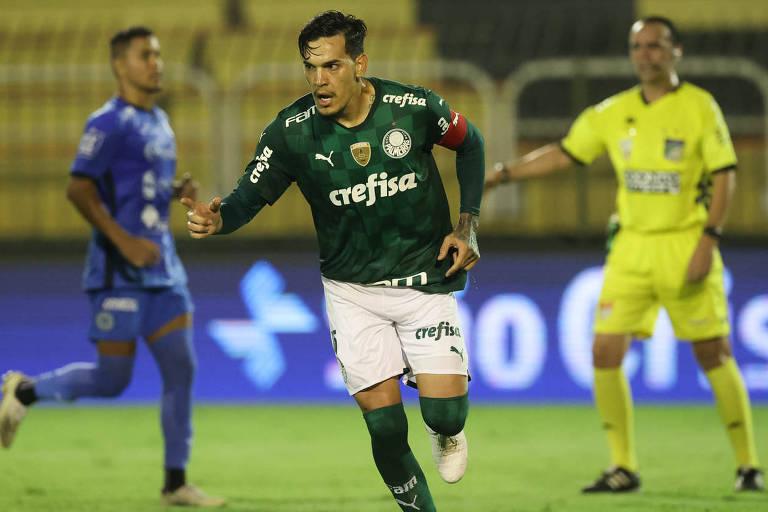 Gustavo Gómez comemora seu gol no empate com o São Bento, em duelo do Paulistão realizado estádio Raulino de Oliveira, em Volta Redonda (RJ)