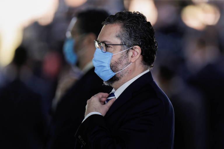 Queda de Ernesto atinge coração do bolsonarismo e revela governo acuado