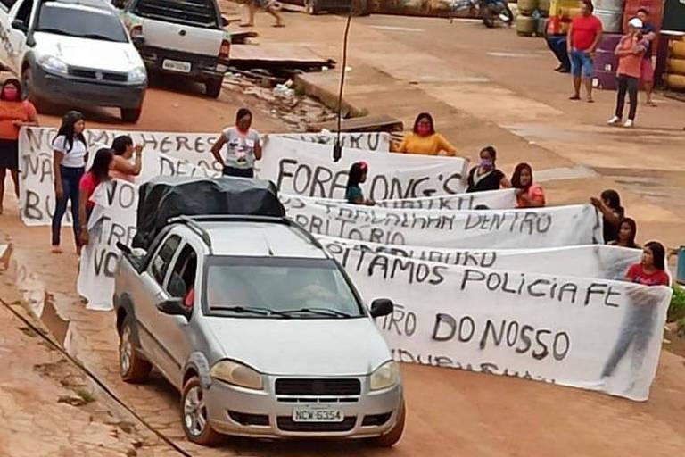 Turba destroi sede de associação de mulheres indígenas antigarimpo no PA