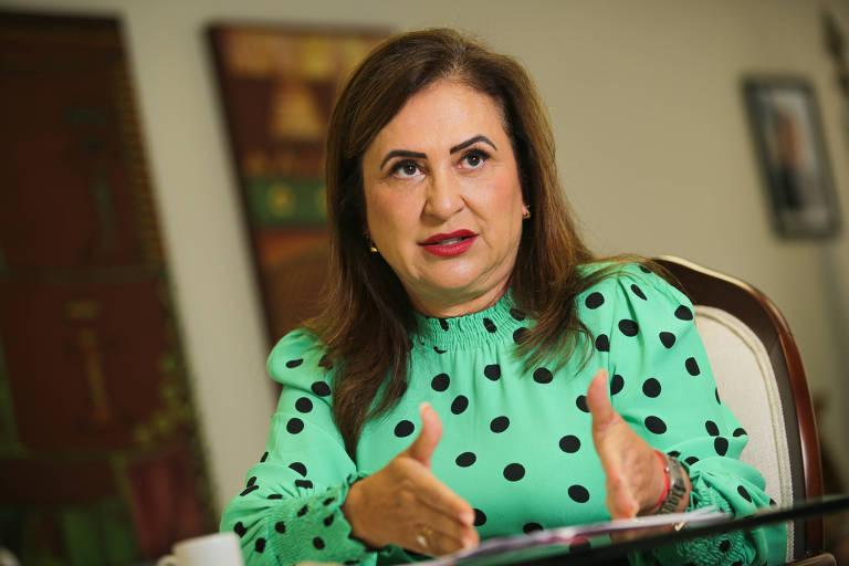 Kátia Abreu diz que não vai 'permitir negociata' com embaixada para blindar Bolsonaro no TCU