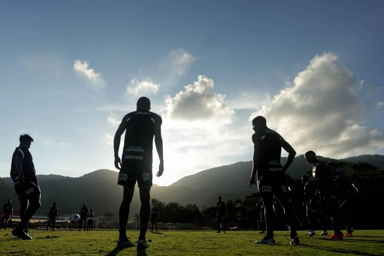 Ainda no RJ, Corinthians enfrenta Retrô pela Copa do Brasil em Saquarema