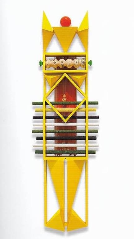 'Caboclo Sultão', uma das 13 esculturas do artista Emanoel Araújo que estava em galpão atingido por incêndio