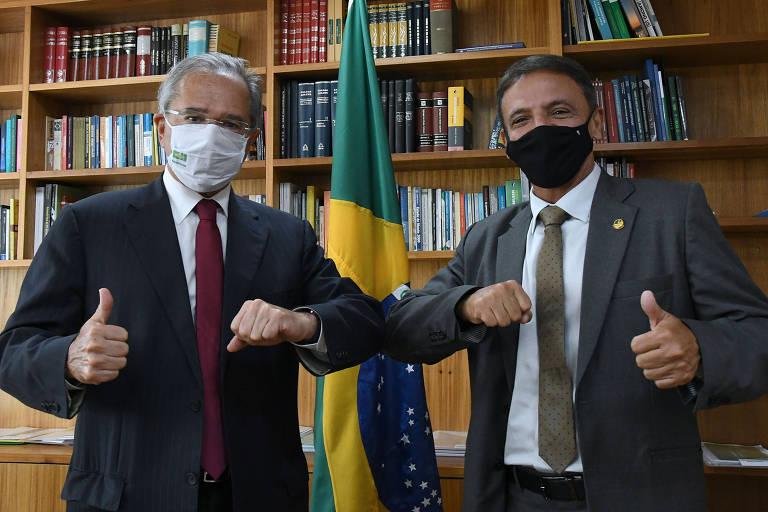 Foto do ministro e do deputado em reunião no gabinete do ministério da fazenda