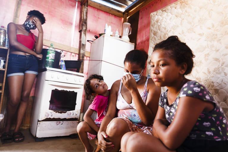 Famílias lutam contra a fome em meio à crise durante a pandemia