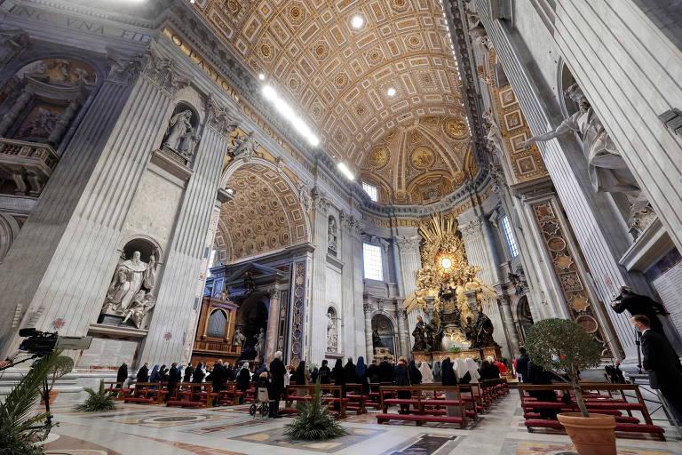 Papa celebra Domingo de Ramos em basílica quase vazia pelo segundo ano