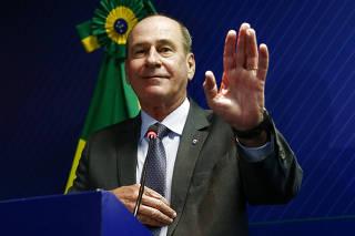 FERNANDO AZEVEDO / DEFESA/ OLEO / VAZAMENTO