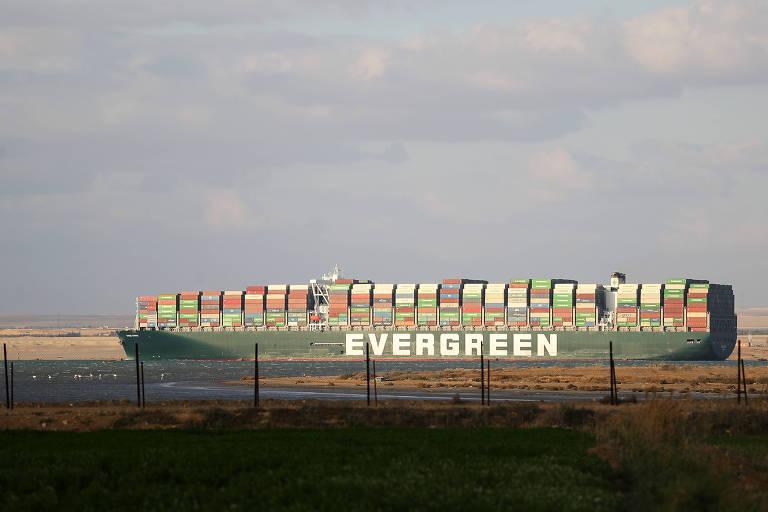 Mesmo após desencalhe, Brasil pode sofrer com 'efeito dominó' de paralisação no Canal de Suez