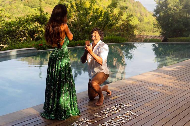 Jesus Luz pede DJ Carol Ramiro em casamento durante viagem a Fernando de Noronha