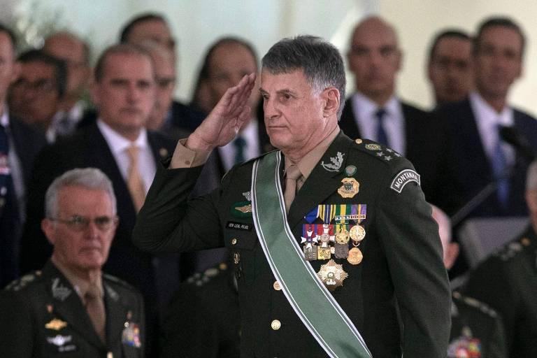O general Edson Leal Pujol no dia em que foi empossado como comandante do Exército