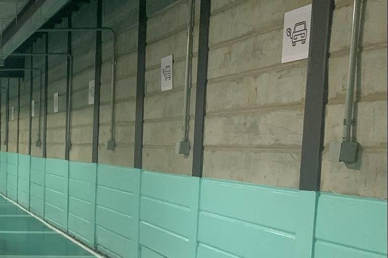 Recarga para carros elétricos ou híbridos em garagem do empreendimento Urbic Ibirapuera, no Paraíso, zona sul de SP